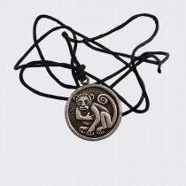 Медальон Маймуна