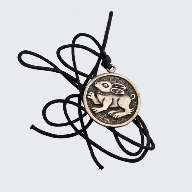 Медальон Заек