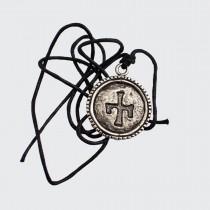 Медальон с Глаголическа Буква А