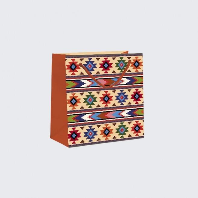 Подаръчна торбичка с българска шевица S - модел 2