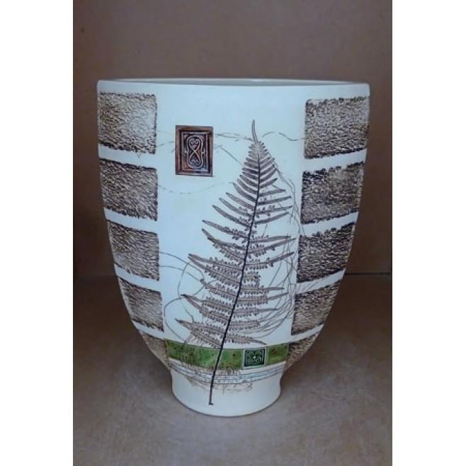 Керамика • Керамична ваза с декорация • модел 19