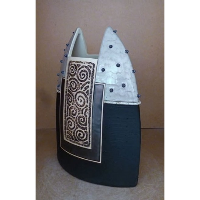 Керамика • Керамична ваза с декорация • модел 41